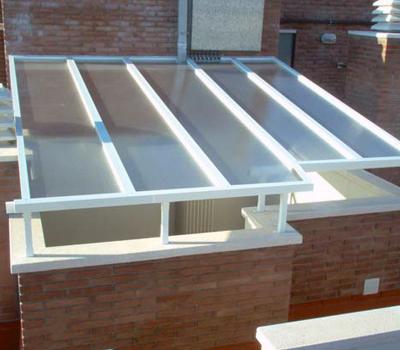 Claraboyas y tragaluces en cornell y barcelona - Tipos de tejados para casas ...