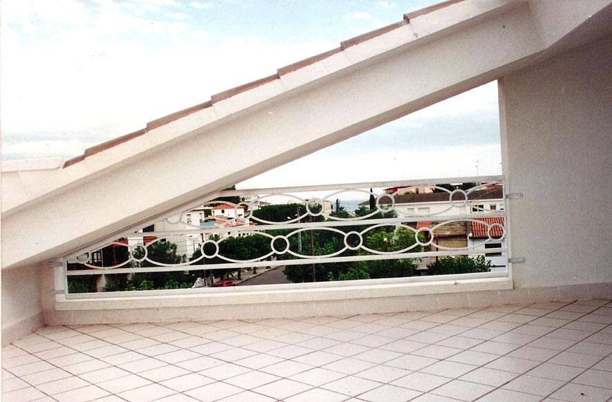baranda-ornamental-hierro-macizo-sitges-cerrajeria-construgama-2