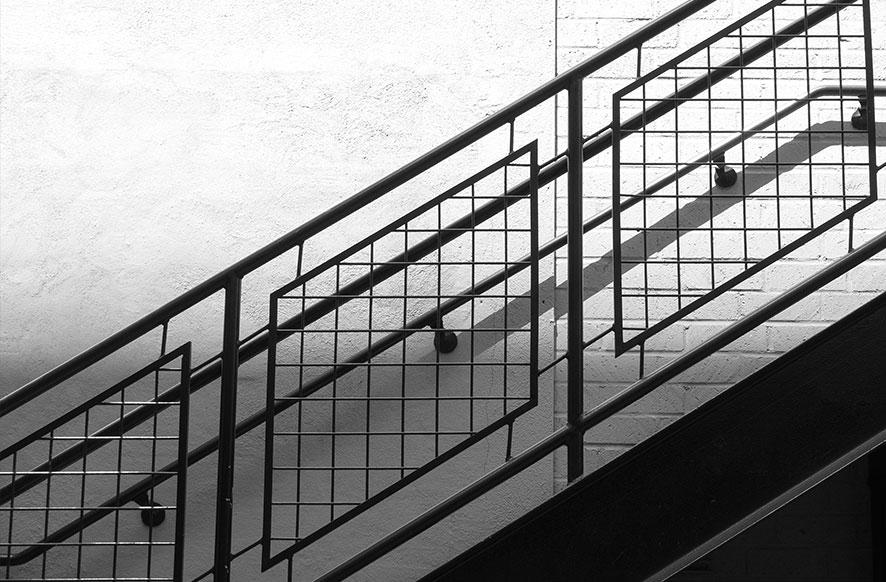 escalera-de-hierro-con-baranda-de-hierro