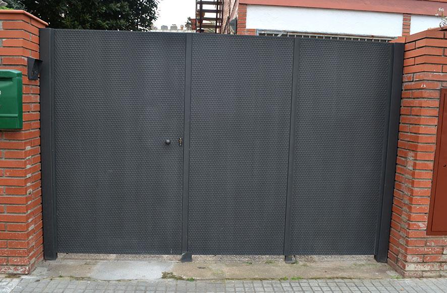 Puertas cancelas de hierro great cancelas de hierro de for Puerta hierro segunda mano