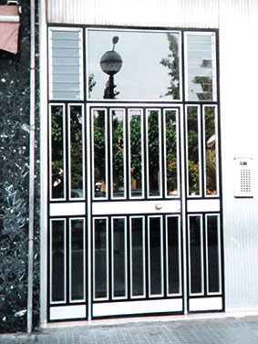 puerta-para-comunidades-cerrajeria-construgama